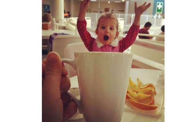 Дети в чашке стали хитом Инстаграм