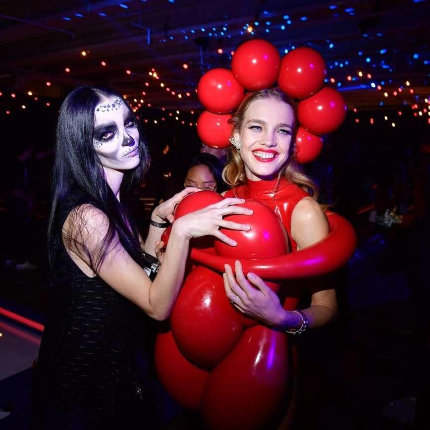 Наталье Водяновой пришлось объяснять свой наряд на Хэллоуин