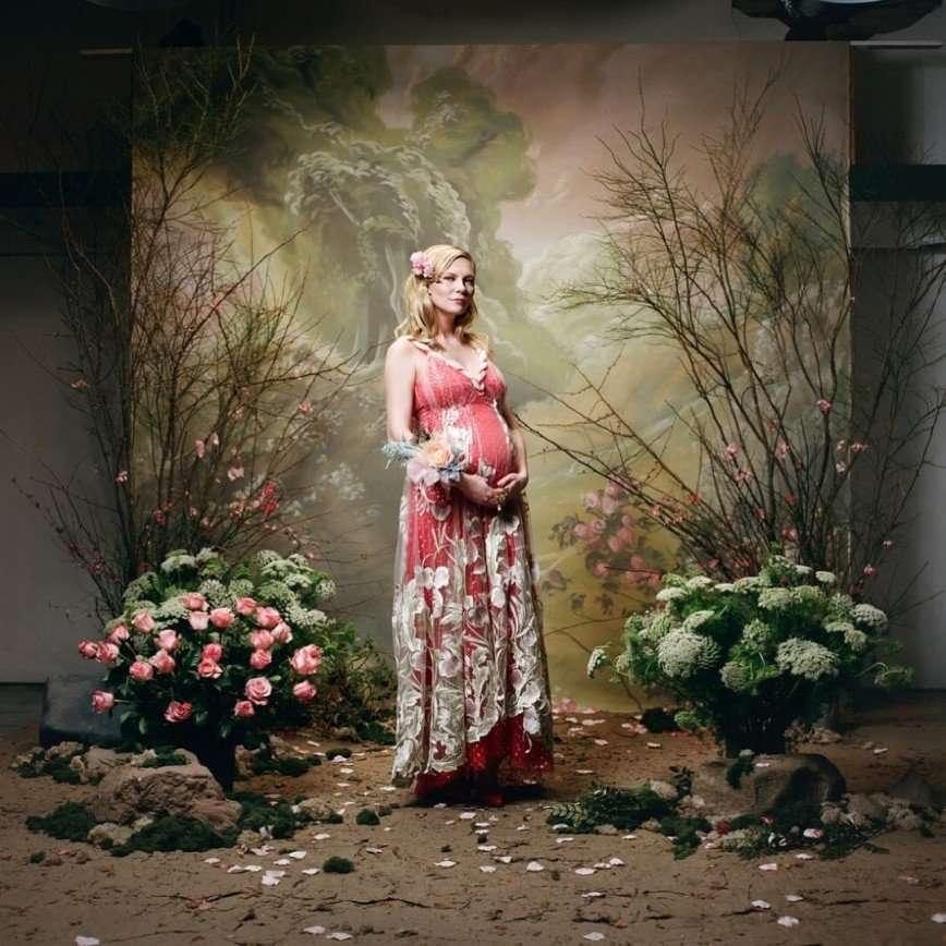 «Она не выглядит счастливой»: Кирстен Данст оригинально сообщила о своей беременности