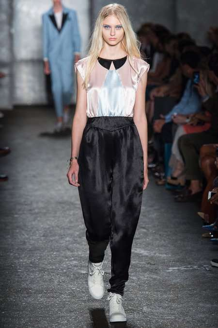 Люрекс и атлас в коллекции Marc by Marc Jacobs, весна 2014