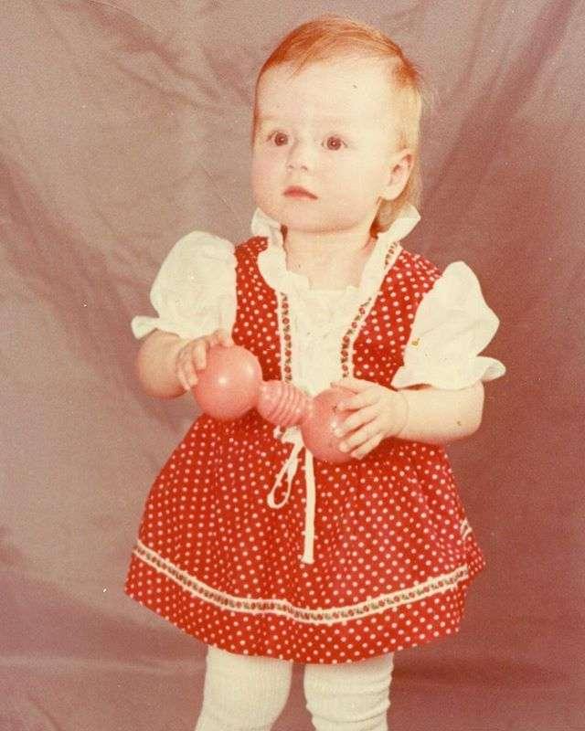 «Я не смогла быть рядом»: Юлия Савичева пропустила первый день рождения дочки