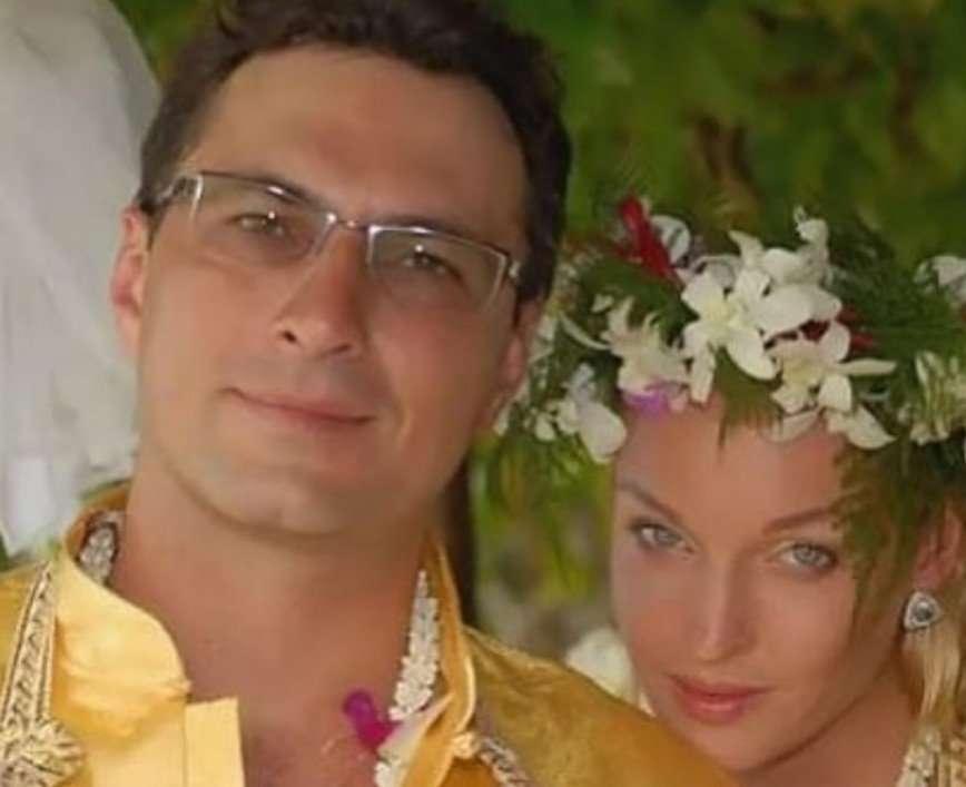 Помогал рожать: Анастасия Волочкова поблагодарила бывшего возлюбленного за дочь